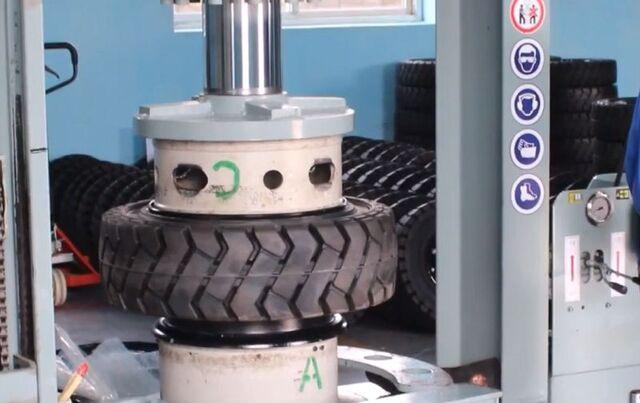 cách lắp lốp xe nâng