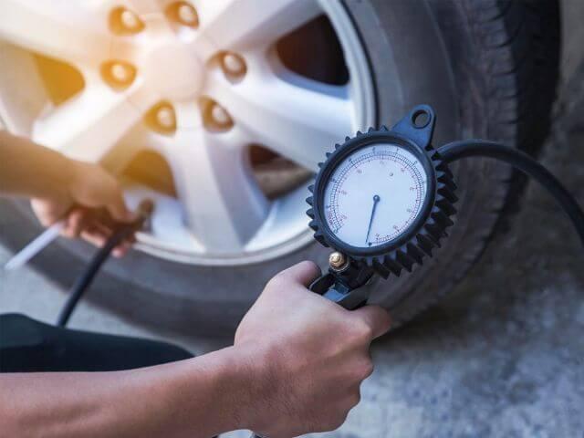 sử dụng khí nitơ trong lốp xe nâng dầu 2